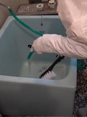 浴槽の特殊清掃3