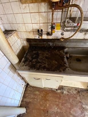 特殊清掃後のキッチン特別清掃1